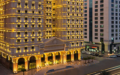 The Royal Rose Is A Luxurious 5 Star Hotel Located In Heart Of Abu Dhabi It Boosts 355 Rooms And Suites 3 Restauranteeting